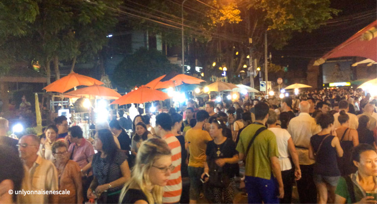 sunday night market de nuit