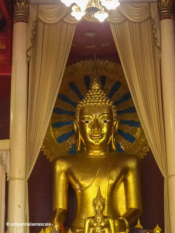 bouddha assis wat phra singh